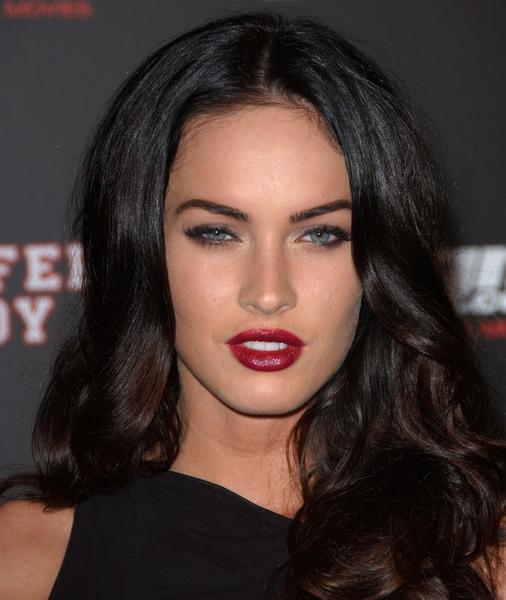 Megan-Fox-in-Black-Dress-with-Red-Lips